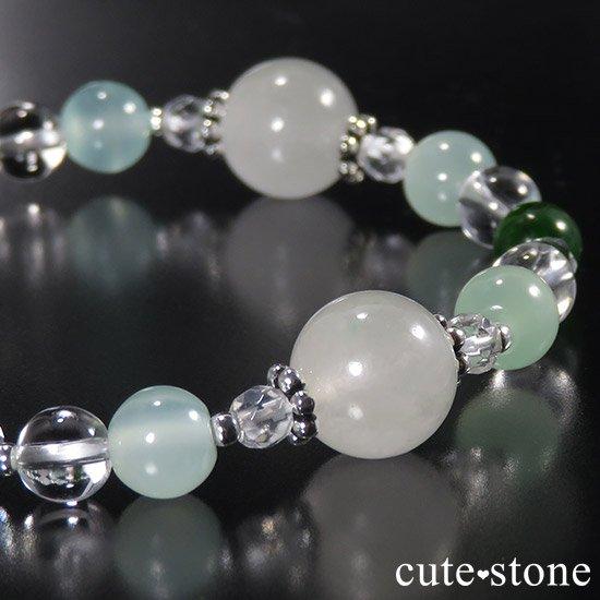 【新芽の季節】 翡翠 クロムダイオプサイト グリーンカルサイト 水晶のブレスレットの写真3 cute stone