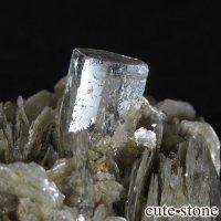 パキスタン産アクアマリン 母岩付き結晶(原石)30.3gの画像