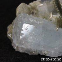 パキスタン産アクアマリン 母岩付き結晶(原石)64.6gの画像