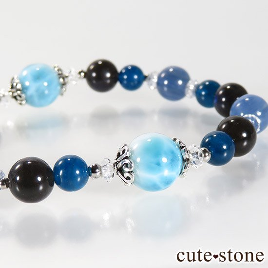 【静かな夜の海】 ラリマー カイヤナイト ブラックラブラドライト ブルーアパタイトのブレスレットの写真4 cute stone