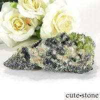 パキスタン スカルドゥ産 スフェーンの母岩付き原石 66gの画像