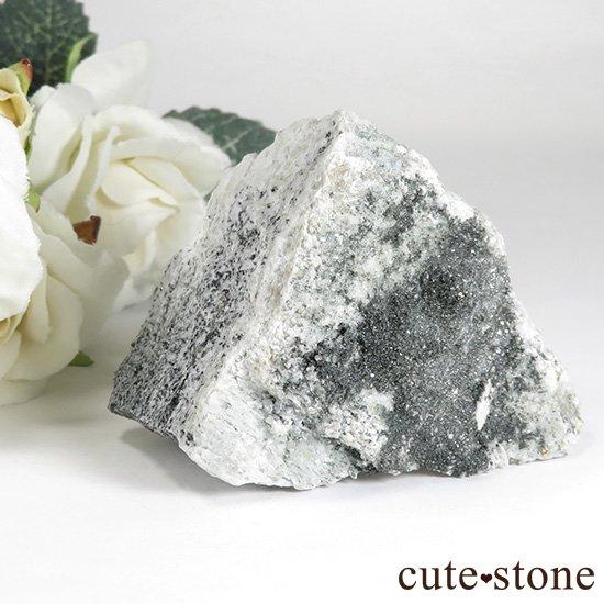 パキスタン スカルドゥ産 スフェーンの母岩付き原石 75gの写真3 cute stone