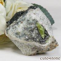 パキスタン スカルドゥ産 スフェーンの母岩付き原石 86gの画像