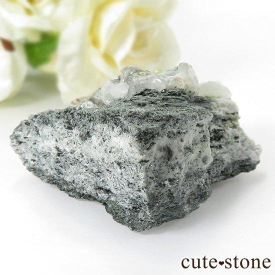 パキスタン スカルドゥ産 スフェーンの母岩付き原石 62gの写真2 cute stone