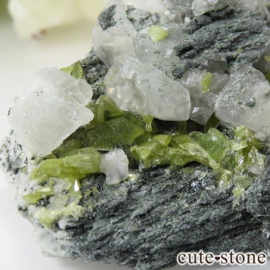 パキスタン スカルドゥ産 スフェーンの母岩付き原石 62gの写真4 cute stone
