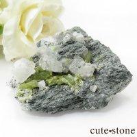 パキスタン スカルドゥ産 スフェーンの母岩付き原石 62gの画像