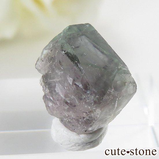 イングランド ロジャリー鉱山産 バイカラーフローライトの結晶(原石)2.4gの写真2 cute stone