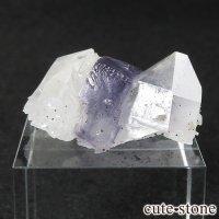 ヤオガンシャン産 フローライト(蛍石) &水晶の共生標本 9.7gの画像