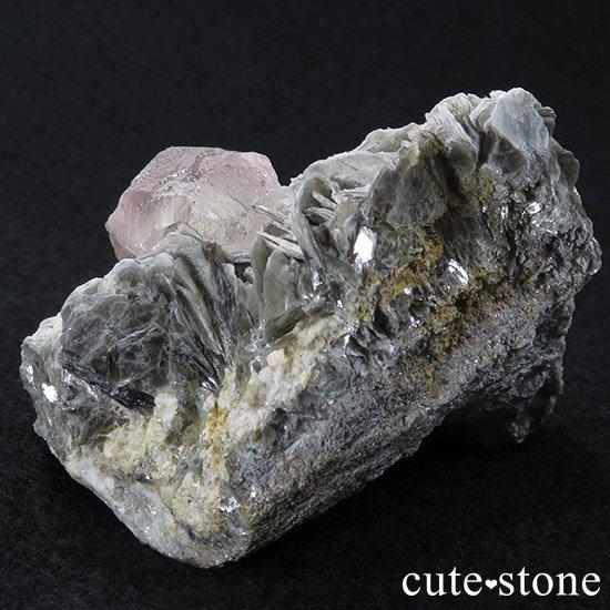 パキスタン フンザ産 ピンクフローライトの母岩付き原石 147gの写真5 cute stone