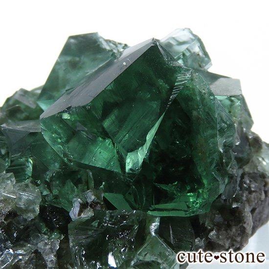 イングランド ロジャリー鉱山産 蛍光フローライトの母岩付き結晶(原石)10.9gの写真1 cute stone