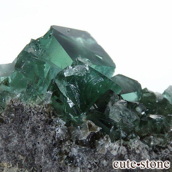 イングランド ロジャリー鉱山産 蛍光フローライトの母岩付き結晶(原石)10.9gの写真3 cute stone