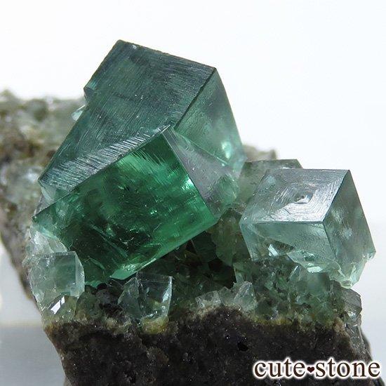 イングランド ロジャリー鉱山産 蛍光フローライトの母岩付き結晶(原石)10.7gの写真2 cute stone