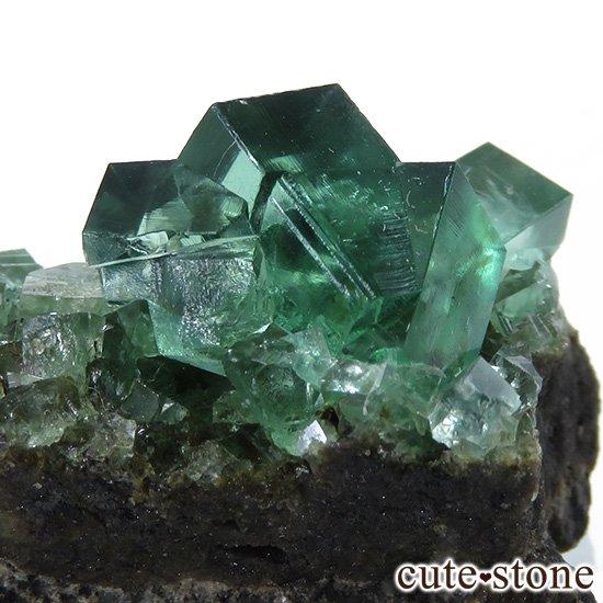 イングランド ロジャリー鉱山産 蛍光フローライトの母岩付き結晶(原石)10.7gの写真3 cute stone