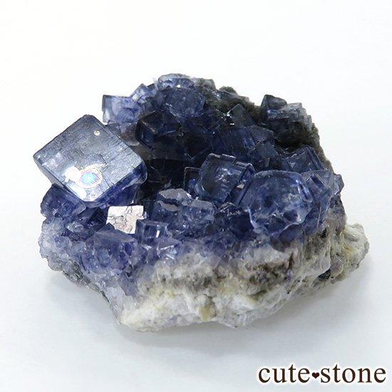 アイルランド Larkin's Quarry産 ブルーフローライトのクラスター(原石)18gの写真0 cute stone