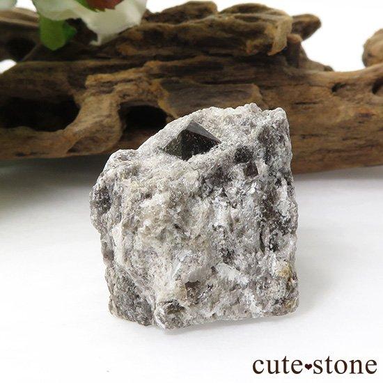 スペイン産 高温型モリオン(黒水晶・カンゴーム)の母岩付き原石 13.7gの写真1 cute stone