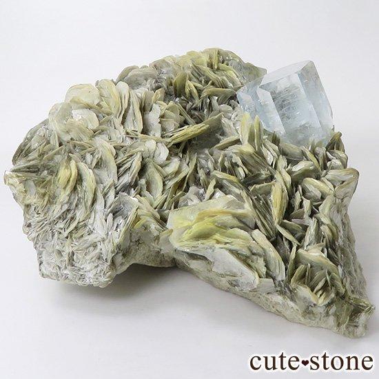 パキスタン産 大きなアクアマリンの母岩付き結晶(原石)506g