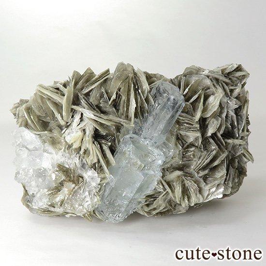 パキスタン産 アクアマリンの母岩付き結晶(原石)168gの写真1 cute stone