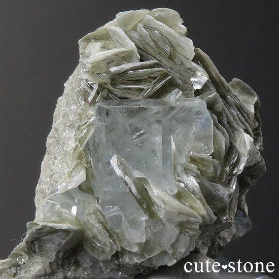 パキスタン産 アクアマリンの母岩付き結晶(原石)31.6gの写真0 cute stone