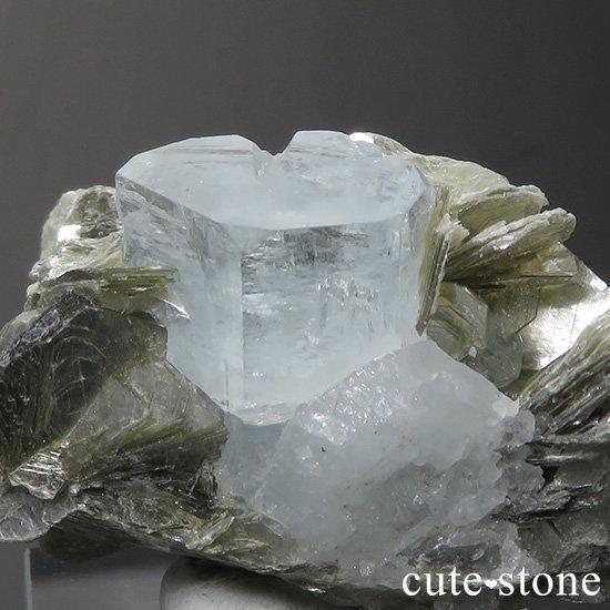 パキスタン産 アクアマリンの母岩付き結晶(原石)30.9gの写真2 cute stone