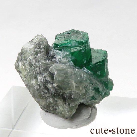 パキスタン スワート産の母岩付きエメラルドの原石(標本)の写真2 cute stone