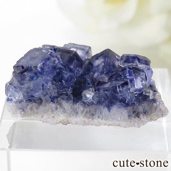 アイルランド Larkin's Quarry産 ブルーフローライトのクラスター(原石)6.2gの写真0 cute stone