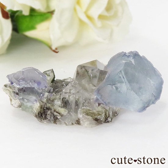 ヤオガンシャン産 フローライト(蛍石) &水晶の共生標本 28gの写真0 cute stone
