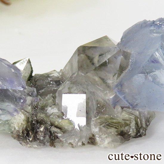ヤオガンシャン産 フローライト(蛍石) &水晶の共生標本 28gの写真3 cute stone