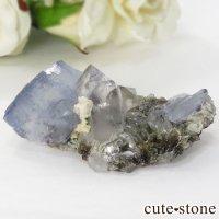 ヤオガンシャン産 フローライト(蛍石) &水晶の共生標本 28gの画像