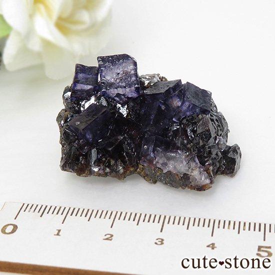 アメリカ エルムウッド鉱山産 パープルフローライトの原石 41gの写真3 cute stone