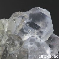 メキシコ ナイカ鉱山産 水入りカラーレスフローライトの原石(クラスター)98gの画像