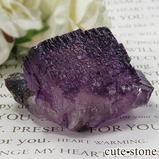 アメリカ エルムウッド鉱山産 パープルレッドフローライトの原石 69gの写真1 cute stone