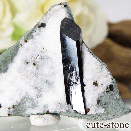カリフォルニア産 ネプチュナイトの母岩付き結晶(原石) 14gの写真1 cute stone
