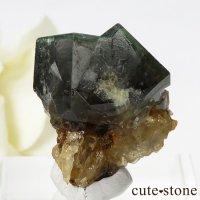 イングランド ダイアナマリア鉱山産 蛍光フローライトの母岩付き結晶(原石)7.4gの画像