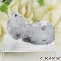 ヤオガンシャン産 フローライト(蛍石) &パイライトの原石(標本) 7.6gの画像