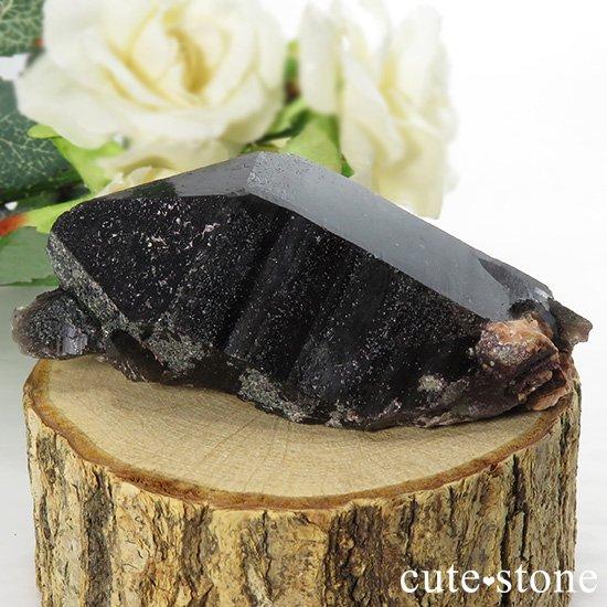 山東省産 モリオン(黒水晶)のシングルポイント(原石)88g