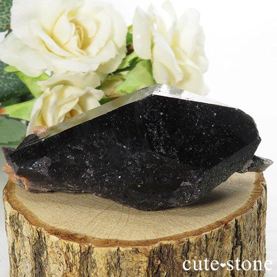 山東省産 モリオン(黒水晶)のシングルポイント(原石)88gの写真1 cute stone