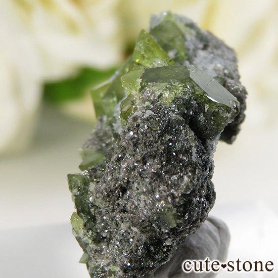 パキスタン スカルドゥ産 スフェーンの母岩付き原石 6.5gの写真2 cute stone