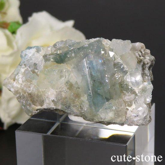 ブラジル産 ユークレースの母岩付き結晶(原石・クラスター) 25.8gの写真4 cute stone