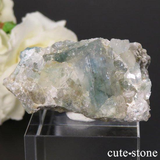 ブラジル産 ユークレースの母岩付き結晶(原石・クラスター) 25.8gの写真5 cute stone