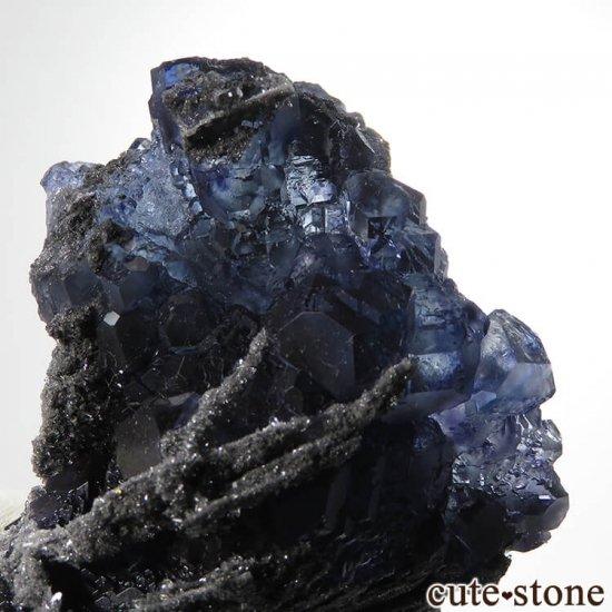 中国 福建省産パープルブルーフローライトの結晶(原石) 139gの写真1 cute stone