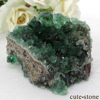 イングランド ダイアナマリア鉱山産 蛍光フローライトの母岩付き結晶(原石)120gの画像