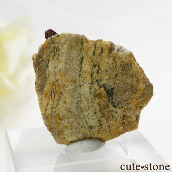 パキスタン スカルドゥ産 スフェーンの母岩付き結晶 (原石) 5.8gの写真3 cute stone