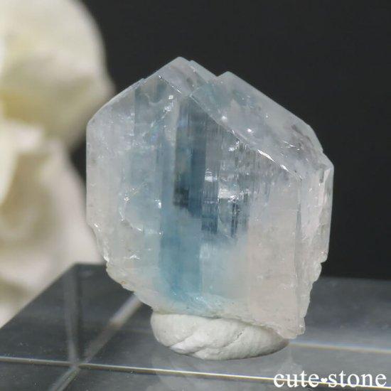 美しいユークレースの結晶