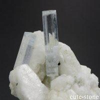 パキスタン スカルドゥ産 アクアマリンの母岩付き結晶(原石)28gの画像