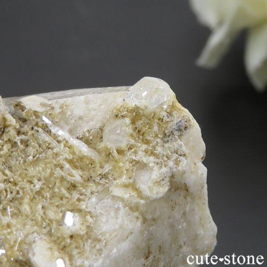 パキスタン スカルドゥ産 ホワイトトパーズの母岩付き結晶(原石)17.9gの写真4 cute stone
