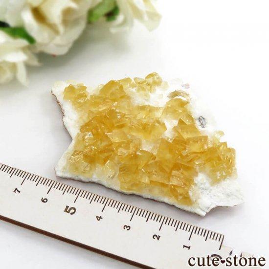 インド産 イエローカルサイトオンリバーストーン 36gの写真3 cute stone
