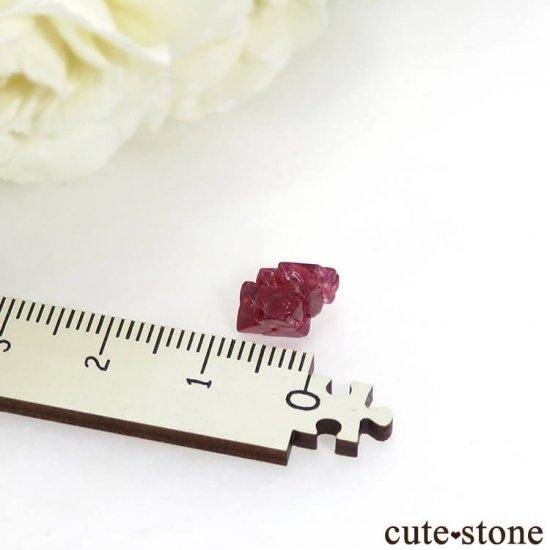 ミャンマー モゴク産 レッドスピネルの結晶(原石)3.8ctの写真2 cute stone