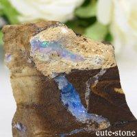オーストラリア クイーンズランド州産ボルダーオパールの原石 70gの画像