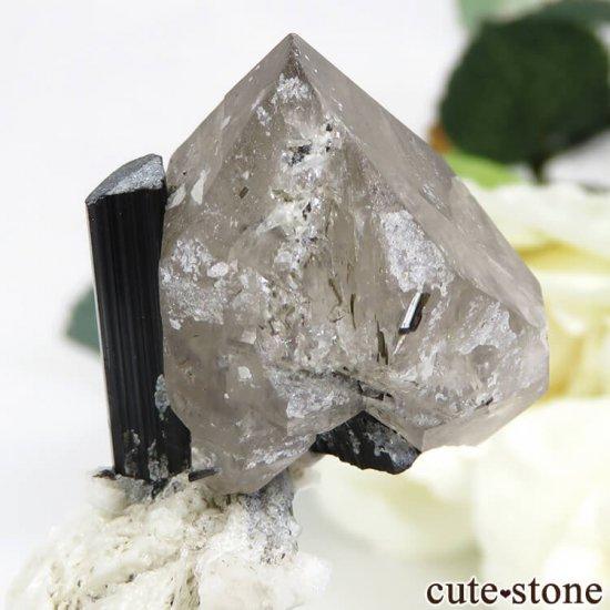パキスタン スカルドゥ産 ブラックトルマリン&スモーキークォーツの原石 22.2gの写真1 cute stone