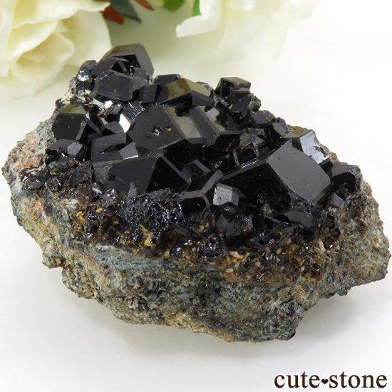 マリ ケーズ産 メラナイト(アンドラダイトガーネット)の母岩付き結晶(原石) 83g
